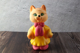 N.O.S. Best Vintage Rubber Toy USSR 1980s Soviet Beeps Toy Adorable CAT With Pink Bow. Baby Doll - Bambole