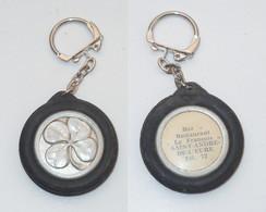 PORTE CLEFS, PNEU, TREFLE, Bar De Saint André De L Eure, Le Français - Key-rings