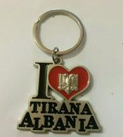 NEW ALBANIA VINTAGE METAL KEY CHAIN PENDANT-TIRANA-ALBANIA FLAG-SOUVENIR-CUTE - Key-rings