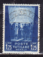 VATICANO VATICAN VATIKAN 1942 OPERE DI CARITÀ DI PAPA PIO XII PRO PRIGIONIERI LIRE 1,25 USATO USED OBLITERE - Usados