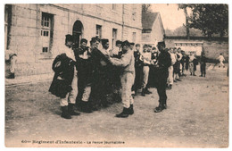 CPA - Carte Postale -France-Militaria Régiment D'infanterie La Revue Journalière -  VM37985 - Regiments