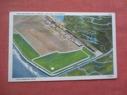 Municipal Airport  Oakland   - California > Oakland      Ref 5179 - Oakland