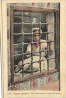 Types Arabes Jeune  Mauresque  à Travers Les Grilles Colorisée RV - Women
