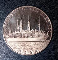 """Belle Médaille Commémorative 1989 """"Armoiries De La Ville De Hambourg (Hamburg) / Fondation Du Port En L'an 800"""" - Royal / Of Nobility"""