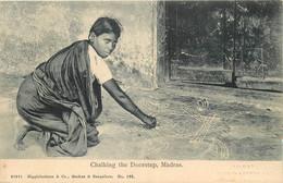 INDE - Madras - Chalking The Doorstep - Inde