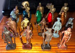 Lot De 14 Kinder Métal - Figurine In Metallo