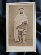 Photo CDV Rozier à Alger - Homme En Costume Local, Indigène, Second Empire Circa 1865 L565 - Oud (voor 1900)