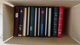 W1 Carton 28 Kgs Dont 12 Reliures D'occas D'années Et De Marques Différentes (Lindner, Safe ...) ..Voir Commentaires !!! - Lots & Kiloware (mixtures) - Min. 1000 Stamps