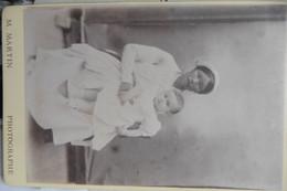 CDV Cabinet Card Bébé Et Sa Nounou Annamite Ou Thai 1899 M.Martin Photographe Siam Thailande - Anciennes (Av. 1900)