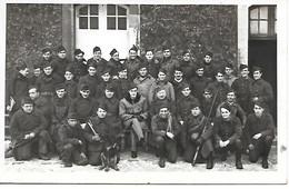 A/455           Militaria     Carte Photo -      Groupe De Soldats  A Définir ? - Reggimenti
