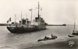17. CPA - LA PALLICE -  Le Bateau Météo Le Verrier Sort Du Port -  1957 - Scan Du Verso - - Andere