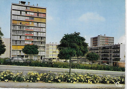 CPSM (89)  - Joigny - Expansion Est - Les H.L.M. ( Quartier HLM Grands Ensembles Cité Automobile Années 60 COMBIER - Joigny