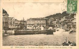 14 - Trouville - Le Bac Et La Place Du Casino - Animée - CPA - Oblitération Ronde De 1937 - Voir Scans Recto-Verso - Trouville