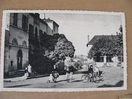 Cpsm 1957 La Chapelle En Guinchay  La Mairie Et Les écoles   Saône Et Loire 71 Pontanevaux Animée : Vélo Poussette - Other Municipalities
