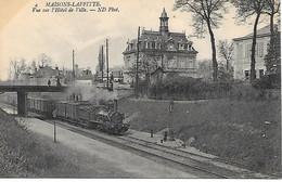 A/458         78       Maisons-lafitte           Le Pont & La Voie De Chemin De Fer - Passage D'un Train - Maisons-Laffitte