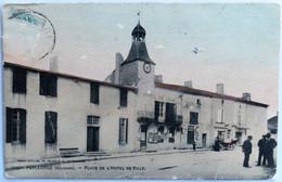 C. P. A. Couleur : 33 PELLEGRUE : Place De L'Hôtel De Ville, Animé, Voiture, Timbre En 1905 - Andere Gemeenten