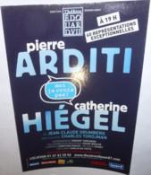 """Carte Postale """"Cart'Com"""" (2012) Moi Je Crois Pas ! (Pierre Arditi - Catherine Hiégel) Théâtre Edouard VII - Advertising"""