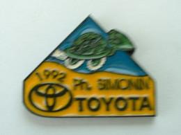 PIN'S TOYOTA - PH . SIMONIN - 1992 - TORTUE - Toyota