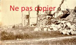 PETITE PHOTO FRANCAISE - LES RUINES DU CHATEAU DE CHAMPIEN PRES DE ROYE SOMME -  GUERRE 1914 1918 - 1914-18