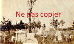 PETITE PHOTO FRANCAISE - LE CIMETIERE ALLEMAND DE CHAMPIEN PRES DE ROYE SOMME -  GUERRE 1914 1918 - 1914-18