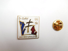Superbe Pin's En EGF , Armée Militaire , 50e Anniversaire Débarquement En Normandie En Juin 44, D-Day - Militari