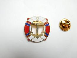 Superbe Pin's En EGF , Marine Bateau , Ancre De Marine , Bouée - Barche