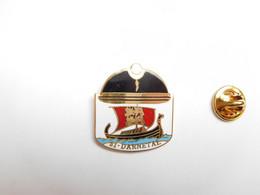 Superbe Pin's En EGF , Police , CRS 31 Rouen , Compagnie Républicaine De Sécurité à Darnétal , Drakkar - Polizia