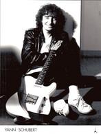 PHOTO PRESSE 18X24 / YANN SCHUBERT - CHANTEUR GUITARISTE 1980 - Famous People
