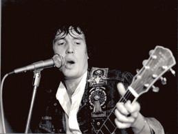 PHOTO PRESSE 18X24 / NEEL GOVERN - CHANTEUR ROCK GUITARE 1981 - Famous People