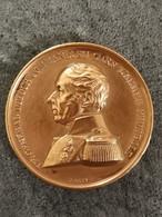 Médaille Bronze GENERAL DUFOUR 1847 Commandant En Chef Armée Fédérale Suisse 37 Mm 25,6 G - Royal / Of Nobility