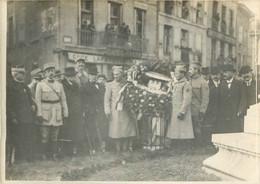 LE PUY COURONNE PORTEE PAR LES SOLDATS POLONAIS  AU MONUMENT DE LA FAYETTE  WW1  PHOTO ORIGINALE 18X13CM - Guerre, Militaire