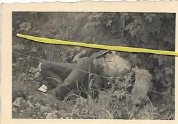 MIL 108 COMBATS CADAVRE  SOLDAT  NOIR AFRICAIN TUE FIN MAI 1940 - Krieg, Militär