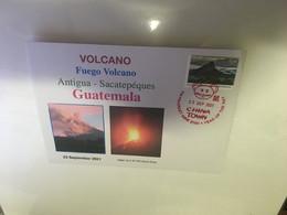(3 A 25) Guatemala - Fuego Volcano Eruption Near Antigua (with Guatemala UN Flg Stamp + Australian Stamp) - Vulkane