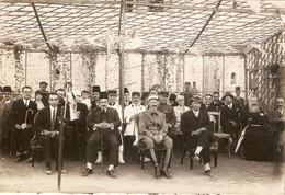 Photographie De Syrie Par Derounian Frères, Alep / Aleppo, Notables Et Militaires Français, 1928, Colonel Du 21e RTM - Lugares