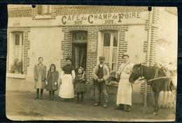 CARTE PHOTO CAFE DU CHAMP DE FOIRE à MUR DE SOLOGNE - ROUTE DE ROMORANTIN - BELLE ANIMATION - CARTE RETAILLEE. - Andere Gemeenten