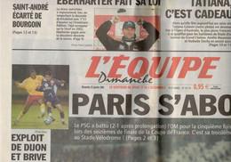 JOURNAL L EQUIPE 25 JANVIER 2004 PARIS S ABONNE FOOTBALL LE PSG A BATTU L OM POUR LA 5E FOIS D'AFFILEE - 1950 - Oggi