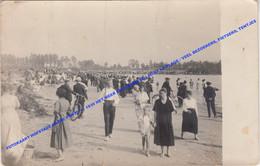 CARTE PHOTO FOTOKAART HOFSTADE +/- 1930 HET MEER EN STRAND LE LAC ET LA PLAGE / VEEL BEZOEKERS, FIETSERS, TENTJES - Zemst