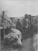 MARNE QUELQUES SOLDATS POLONAIS EN PREMIERE LIGNE WW1 PHOTO ORIGINALE  24 X 18 Cm - Guerre, Militaire