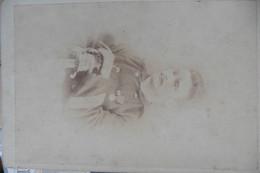 Photo CDV Cabinet Card Indochine - Soldat Officier Marine Par Yu Hing Tchon Hanoi Tonkin 1887 Uniforme épée - Anciennes (Av. 1900)