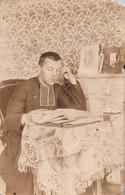 BELLE CARTE PHOTO DE CURE DATEE 1921 - Unclassified