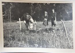Photo WESTERLO Mei 1945 Tombes Militaires ? Ooorlog ? WO2 - Orte