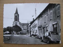 Cpsm LA CHAPELLE DE GUINCHAY  L ' église  1960 2cv  71 Saône Et Loire - Other Municipalities