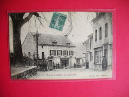 12 Le Nayrac 1905-1910 Auberge Et Café Un Coin De Rue TB Animée  éditeur Noyrigat Dos Scanné - Other Municipalities