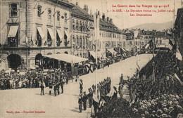 88 SAINT-DIE  CPA   La Guerre Dans Les Vosges 1914-1915 - Dernière Revue (14 Juillet 1914) - Les Décorations - Saint Die