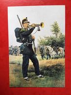 N°2890. ILLUSTRATION D'UN CLAIRON DE CHASSEURS A PIED EN GRANDE TENUE 1885. CARTE RECLAME DE LA SOCIETE D'ARCHEOLOGIE - Uniformen