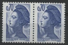 N° 2240 Type Liberté Variété De Griffe / Trait Sur Le Bonnet Tenant à Normal. Neuf Sans Charnière ** MNH. TB - Varieties: 1980-89 Mint/hinged