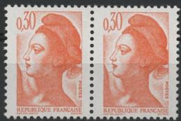 N° 2182 Type Liberté Variété De Griffe / Trait Sur Le Bonnet Tenant à Normal. Neuf Sans Charnière ** MNH. TB - Varieties: 1980-89 Mint/hinged