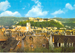 25 - Besançon - Vue Sur Les Toits De La Vieille Ville - A L'arrière Plan, La Citadelle - Besancon