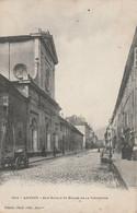 T4-74) ANNECY - RUE ROYALE ET EGLISE DE LA VISITATION - (ANIMEE - OBLITERATION DE 1904 - 2 SCANS ) - Annecy