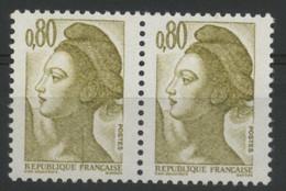 N° 2241 Type Liberté Variété De Griffe / Trait Sur Le Cou Tenant à Normal. Neuf Sans Charnière ** MNH. TB - Varieties: 1980-89 Mint/hinged